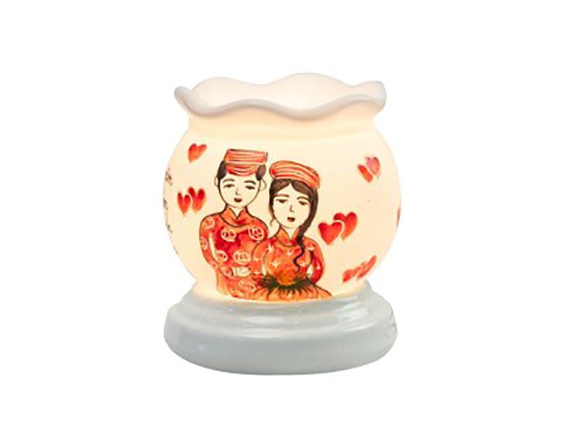 Đèn xông tinh dầu vẽ đám cưới – Gốm sứ Bát Tràng