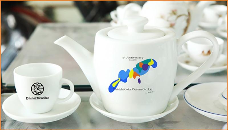 Bộ ấm trà Bát Tràng CK Thùng 700ml Giá In Logo