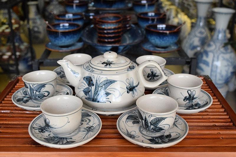 Bộ ấm trà Bát Tràng Tam Thái Khoai Chuồn Đen 500ml