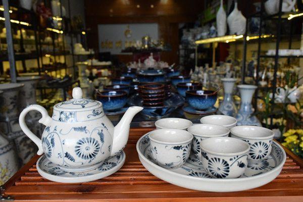 Bộ ấm trà, Bộ ấm trà Bát Tràng Tam Thái Cúc Đen