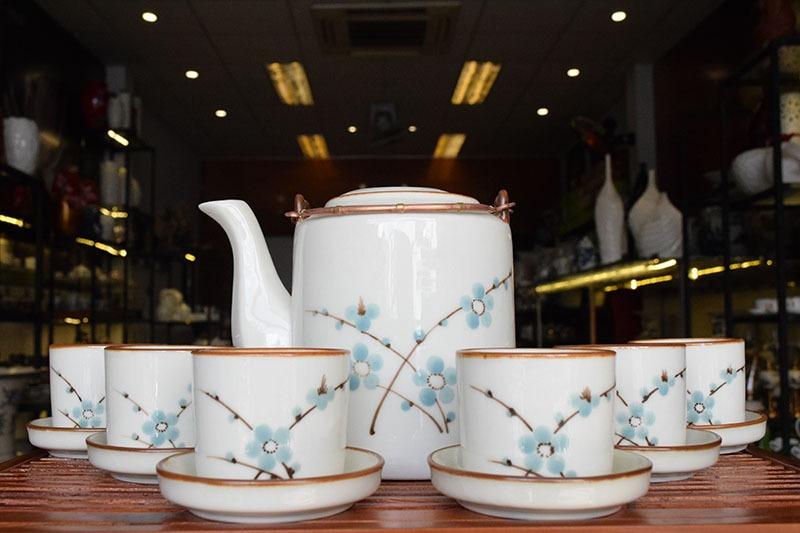 Bộ ấm trà Bát Tràng Tích Cao Men Bóng Vẽ Hoa 1.1L