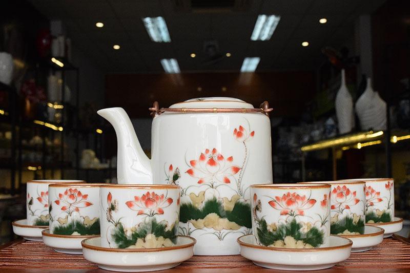 Bộ ấm trà Bát Tràng Tích Cao Vẽ Hoa Sen 1.1L