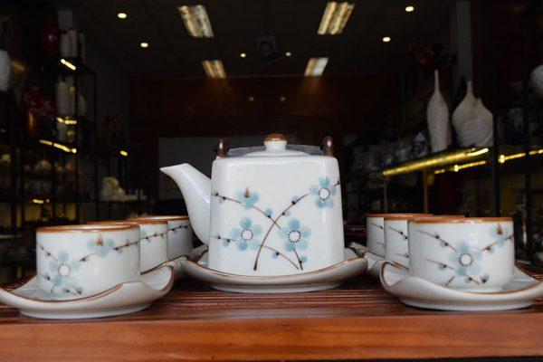 Bộ ấm trà, Bộ ấm trà Bát Tràng Dáng Vuông Vẽ Hoa Đào