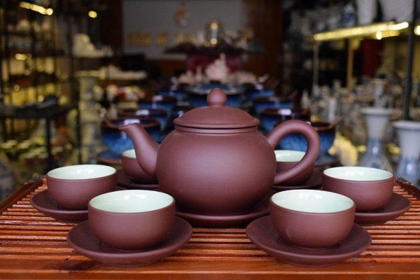 Bộ ấm trà Bát Tràng giá bao nhiêu ?